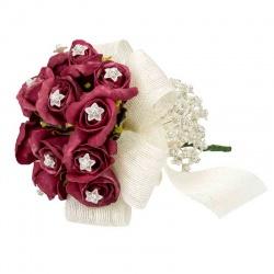 Bouquet con rosas para alfileres de boda
