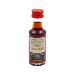 Botella de Mistela, licor dulce,  en miniatura para regalar en bodas