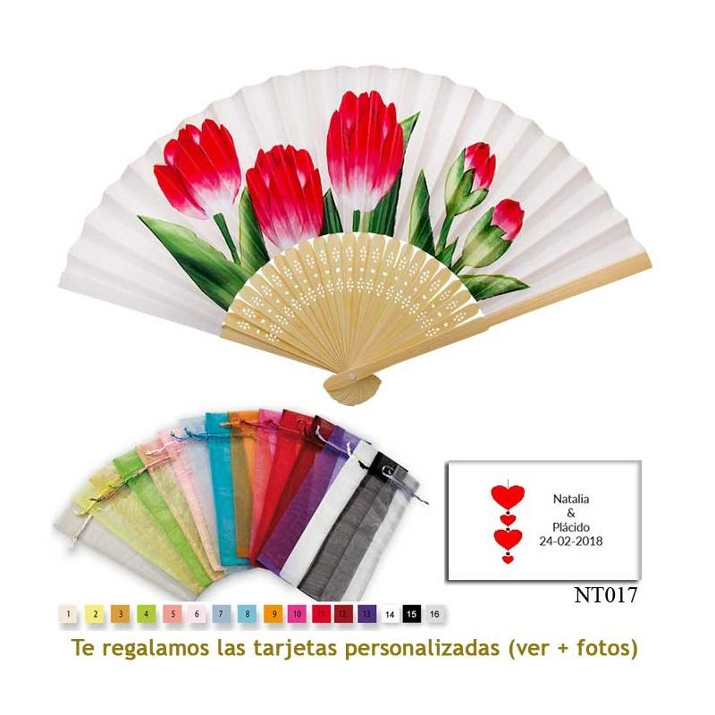 Abanico blanco con tulipanes rojos y bolsa de organdil de colores