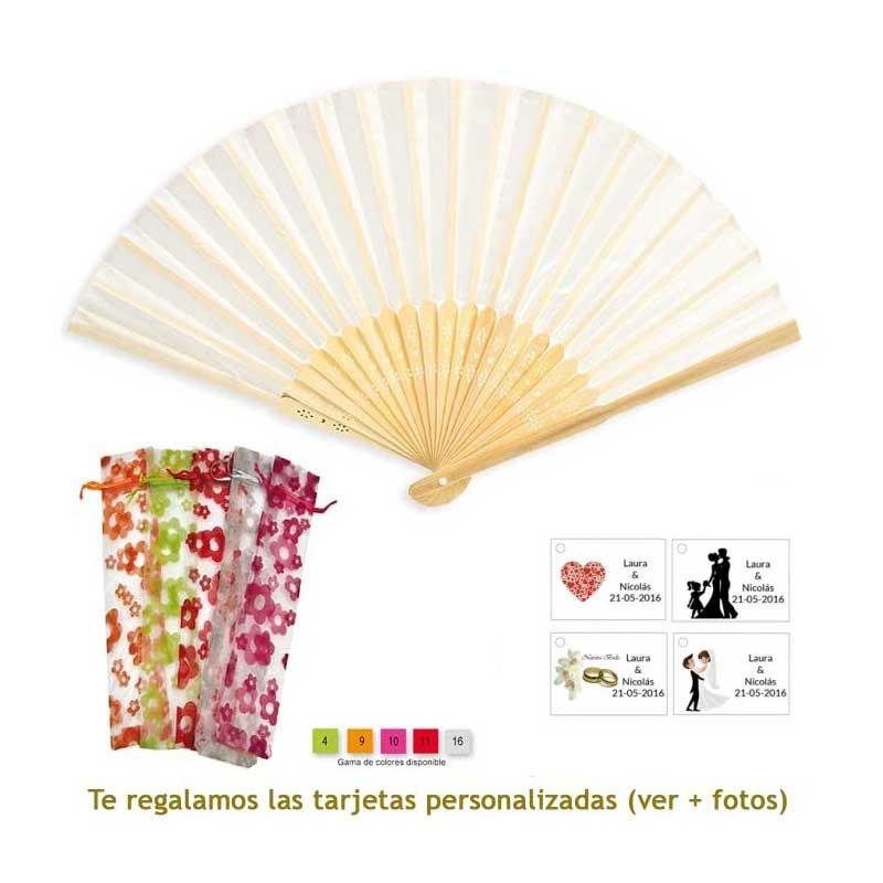 Abanico de bambú en color crudo en bolsa de organdil con flores