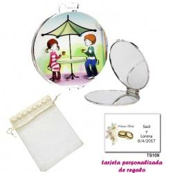 Espejo con sombrilla y niños, con bolsa de organza con flores en el filo de color beige, y tarjeta personalizada