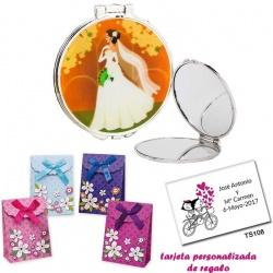 Espejo con una elegante novia con velo, con caja de flores y tarjeta personalizada