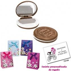 Espejo Galleta Oreo con peine blanco y con caja de flores y tarjeta personalizada