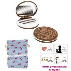 Espejo Galleta Oreo con peine blanco y con bolsa de saco azul celeste estampada y tarjeta personalizada