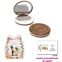 Espejo Galleta Oreo con peine blanco y con caja de flores y dibujo de novios, y tarjeta personalizada