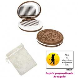 Espejo Galleta Oreo con peine blanco y con bolsa blanca de organza, y tarjeta personalizada
