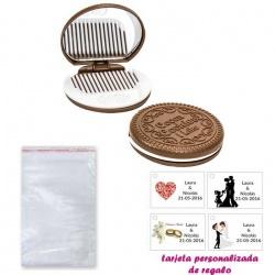 Espejo Galleta Oreo con peine blanco y con bolsa básica de celofan, y tarjeta personalizada