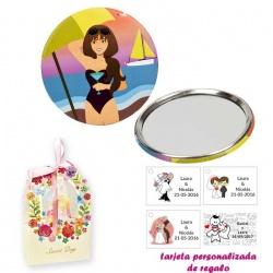 Espejo de Chapa con chica en la Playa, con caja de flores, y tarjeta personalizada