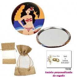 Espejo de Chapa con chica en la Playa, con bolsa de saco marrón y tull, y tarjeta personalizada