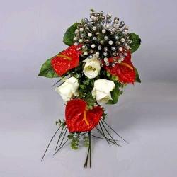 Ramo Anthilium Rosas (alfileres no incluidos)
